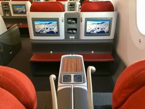 how to get gold qantas frequent flyer