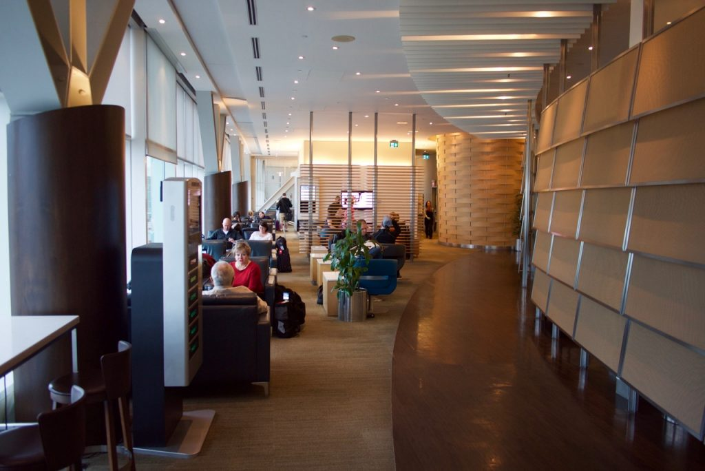 Air Canada Maple Leaf Lounge Vancouver (4)