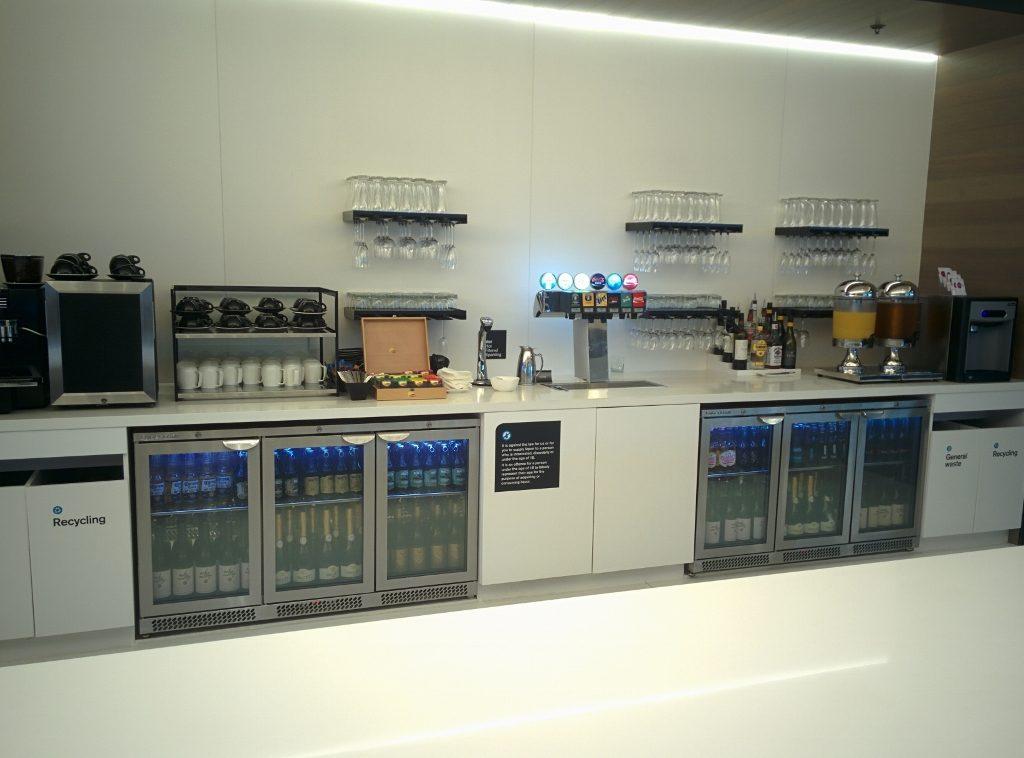 Sydney Air NZ Lounge drinks