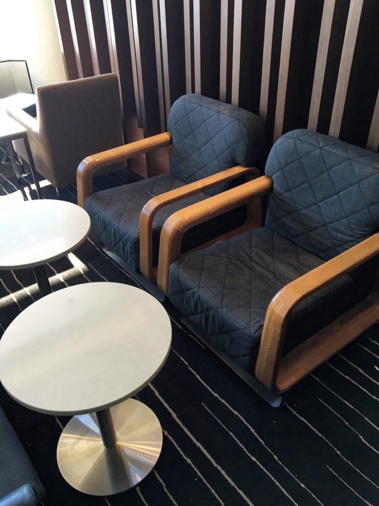 qantas-international-business-lounge-sydney-seating-1