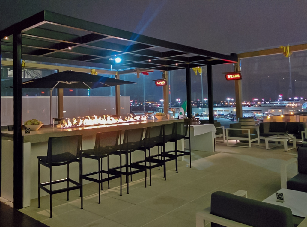star alliance lax-lounge-outdoor2 | Point Hacks