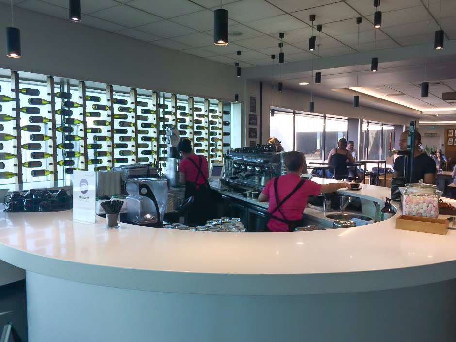 Air New Zealand Auckland Domestic Lounge bar service area